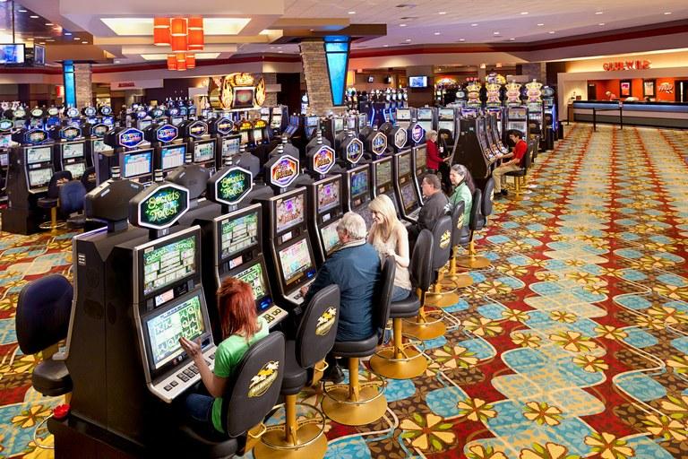Play 7777+ Casino Slot Machine Games