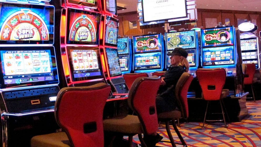 The Superior Guide To Gambling Online